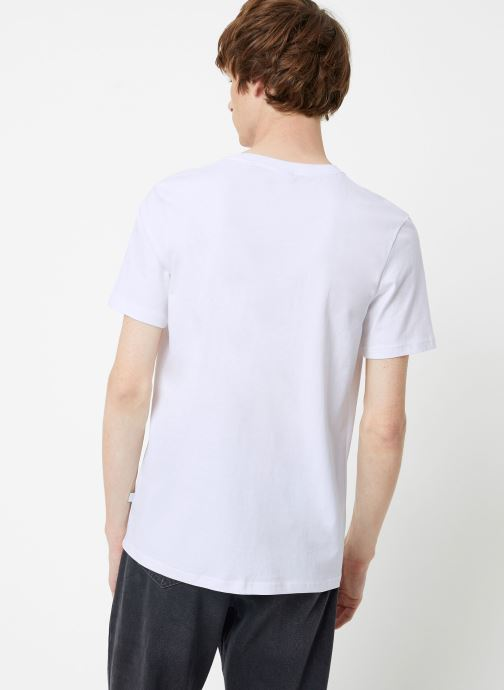 Vêtements Scotch & Soda Cotton tee with wider neck rib Blanc vue portées chaussures