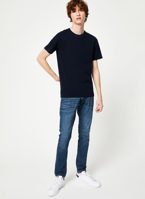 Vêtements Scotch & Soda Cotton tee with wider neck rib Bleu vue bas / vue portée sac