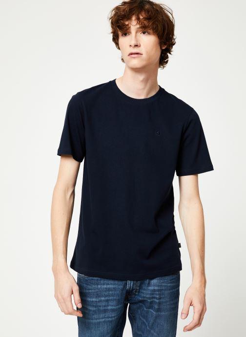 Vêtements Scotch & Soda Cotton tee with wider neck rib Bleu vue détail/paire