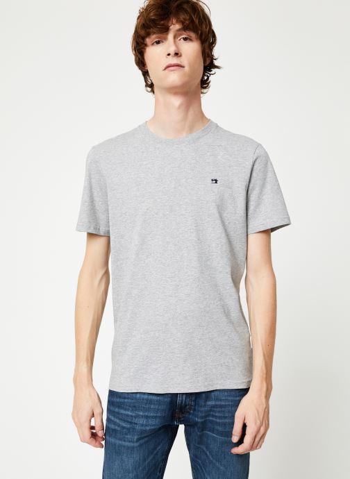 Vêtements Scotch & Soda Cotton tee with wider neck rib Gris vue détail/paire
