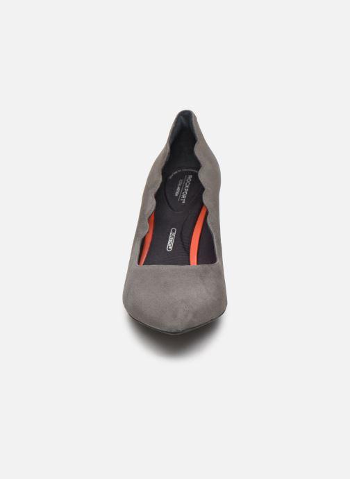 Escarpins Rockport TM75MMPTH Scallop C Gris vue portées chaussures