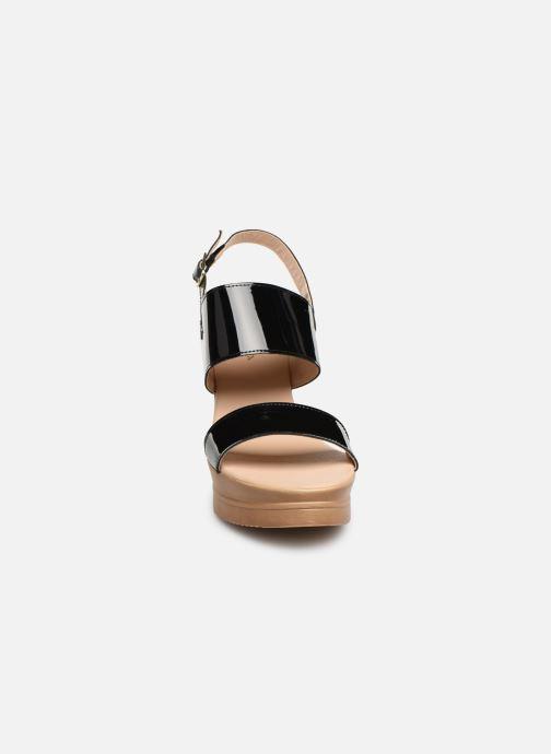 Sandales et nu-pieds Bluegenex B-2123 Noir vue portées chaussures