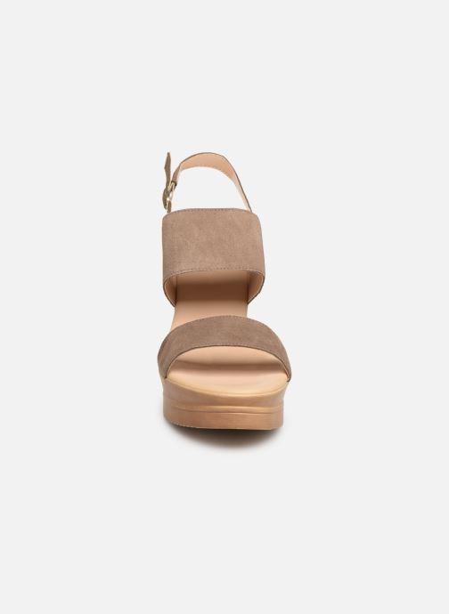 Sandales et nu-pieds Bluegenex B-2123 Marron vue portées chaussures