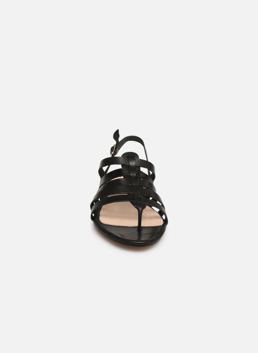 Sandales et nu-pieds Bluegenex B-2253 Noir vue portées chaussures