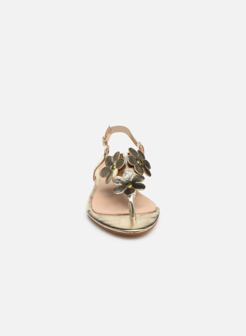 Sandales et nu-pieds Bluegenex B-2254 Or et bronze vue portées chaussures