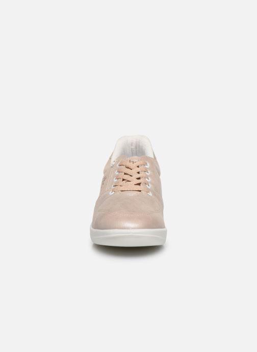Sneakers TBS Made in France Danzips Beige modello indossato