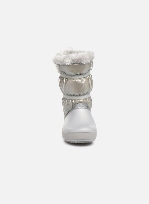 Chaussures de sport Crocs CB LodgePoint Metallic Boot G Argent vue portées chaussures