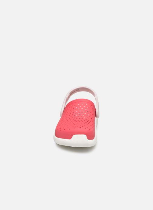 Sandali e scarpe aperte Crocs LiteRide Clog K Arancione modello indossato