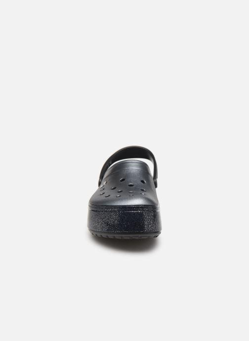 Zuecos Crocs Crocband Platform Metallic Clg Negro vista del modelo
