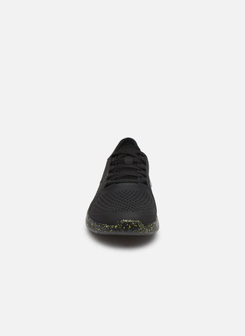 Sneaker Crocs LiteRide Hyper Bold Pacer M schwarz schuhe getragen