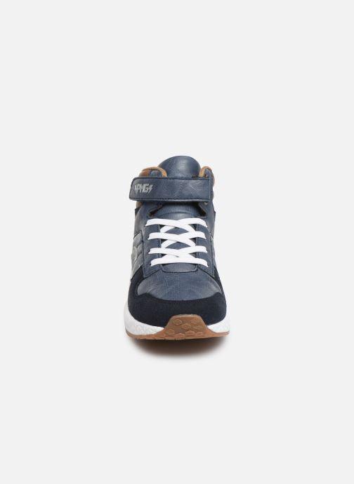 Sneakers Primigi Djay Azzurro modello indossato