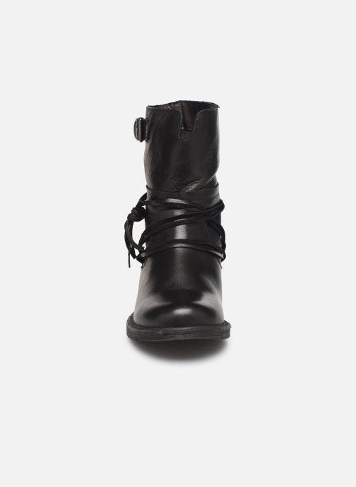 Bottines et boots Georgia Rose Medita Noir vue portées chaussures