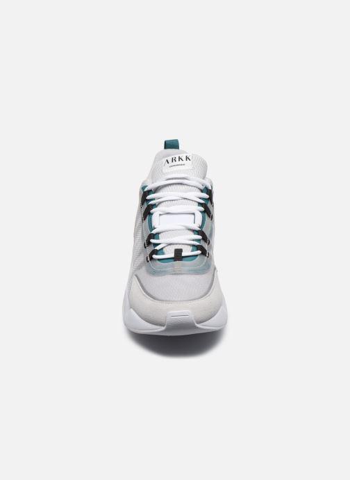 Sneakers Arkk Copenhagen Lyron Mesh Grigio modello indossato
