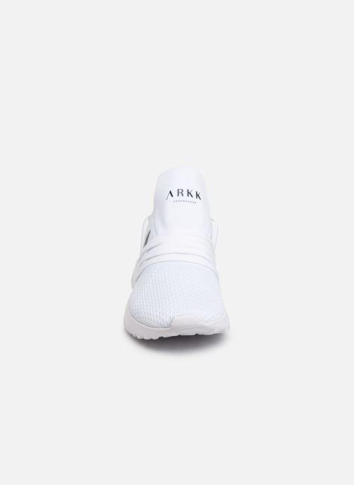 Baskets ARKK COPENHAGEN Raven FG 2.0 W Blanc vue portées chaussures