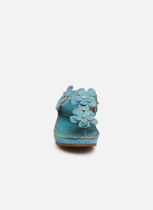 Sandali e scarpe aperte Laura Vita Brcyano 03 Azzurro modello indossato