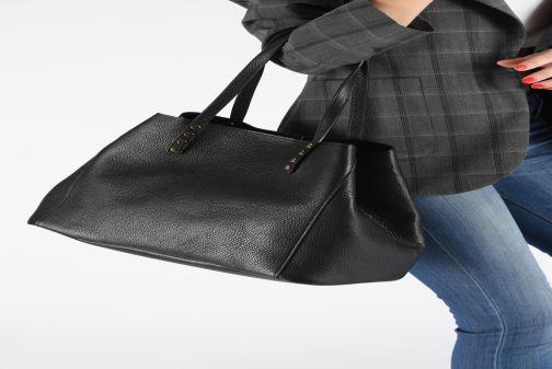 Sacs à main Georgia Rose Ubago Leather Noir vue bas / vue portée sac