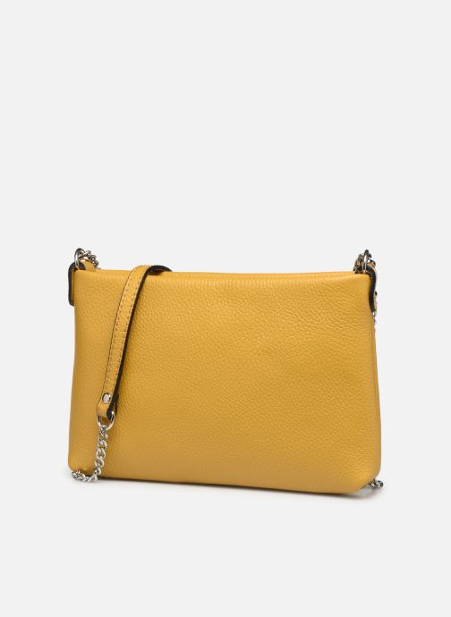 Bolsos de mano Georgia Rose Ugadi Leather Amarillo vista del modelo