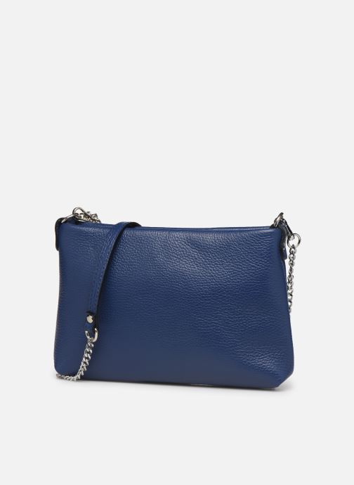 Sacs à main Georgia Rose Ugadi Leather Bleu vue portées chaussures