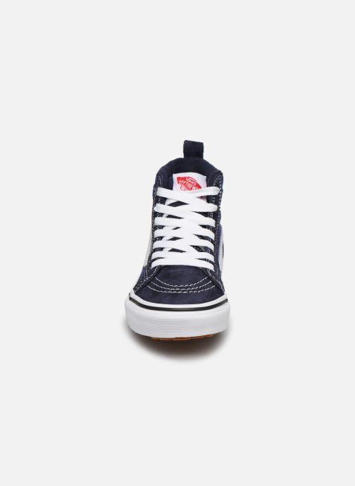 Sneakers Vans Uy Sk8-Hi Mte Nero modello indossato