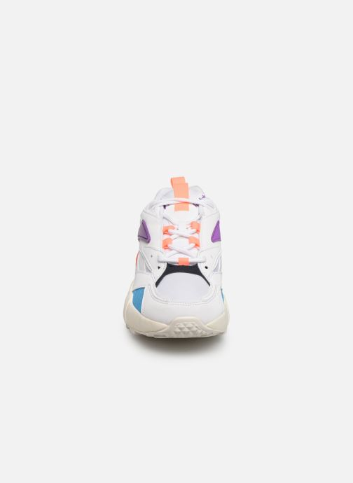 Baskets Reebok Aztrek Double Mix W Blanc vue portées chaussures