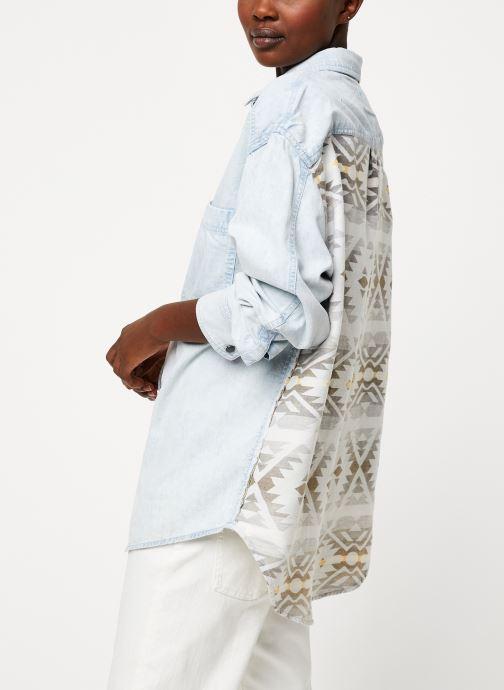 Vêtements Free People ECHO ROCK CHAMBRAY BUTTON INDIGO Bleu vue détail/paire