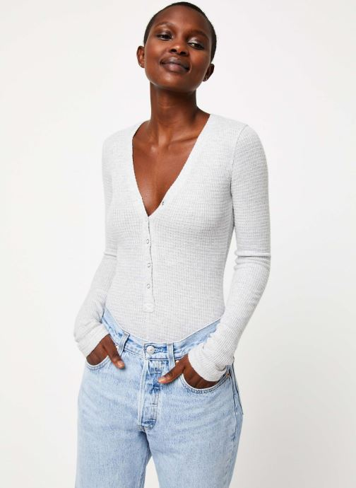 Vêtements Free People KEEP YOUR COOL BODYSUIT Gris vue détail/paire