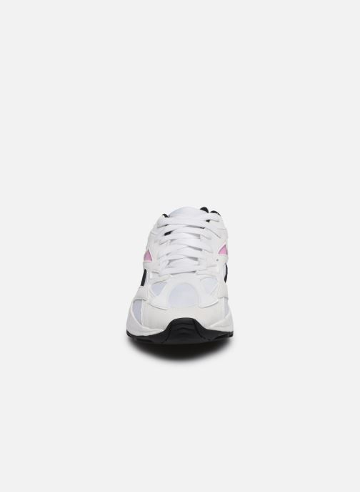 Baskets Reebok Aztrek 96 W Blanc vue portées chaussures
