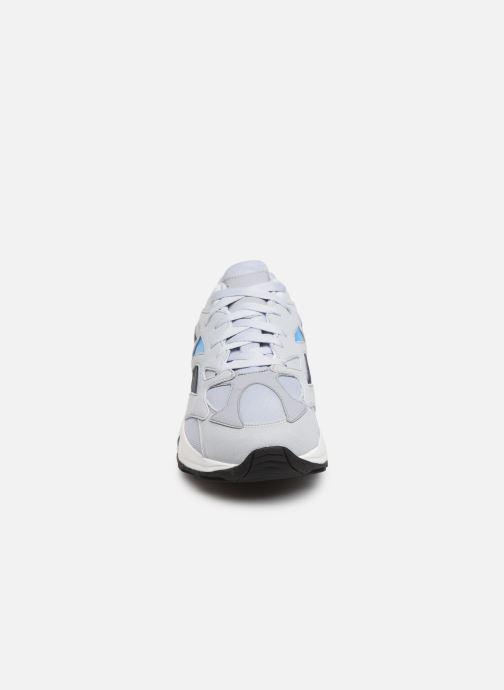Sneakers Reebok Aztrek 96 Grigio modello indossato