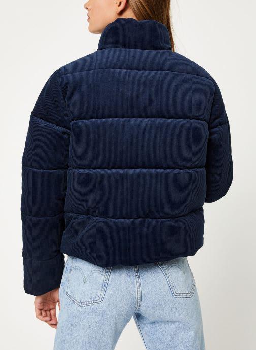 Vêtements Tommy Jeans TJW CORD PUFFA JACKET Bleu vue portées chaussures