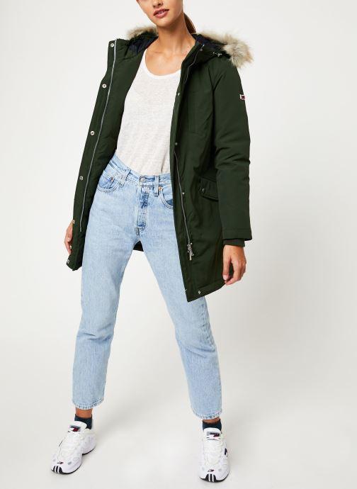 Vêtements Tommy Jeans TJW TECHINCAL DOWN PARKA Vert vue bas / vue portée sac