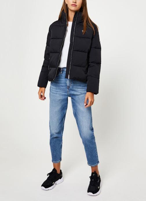 Vêtements Tommy Jeans TJW TOMMY DETAIL PUFFA JACKET Noir vue bas / vue portée sac
