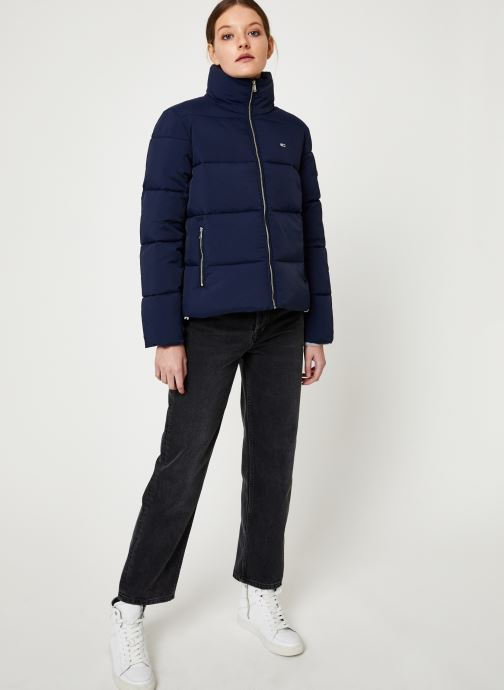 Vêtements Tommy Jeans TJW TOMMY DETAIL PUFFA JACKET Bleu vue bas / vue portée sac