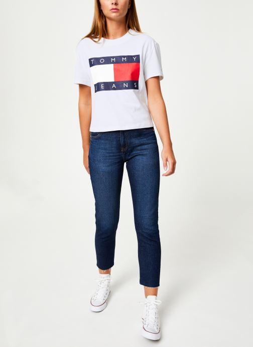 Vêtements Tommy Jeans TJW TOMMY FLAG TEE Blanc vue bas / vue portée sac