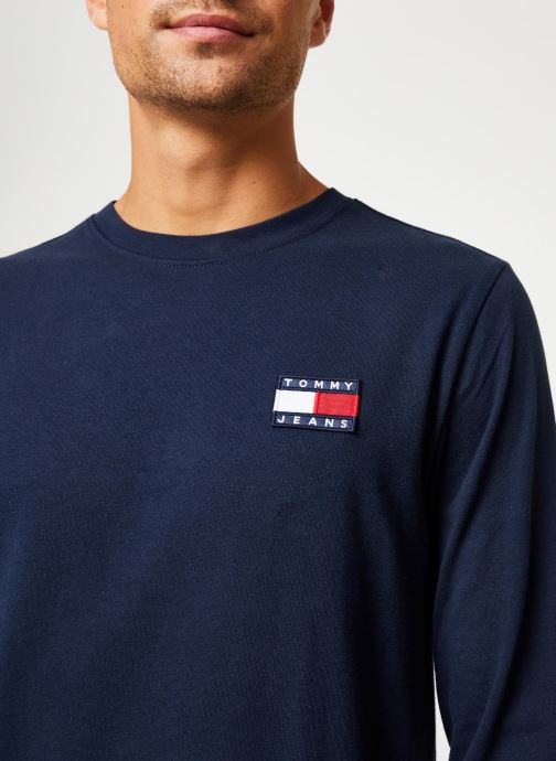 Vêtements Tommy Jeans TJM TOMMY BADGE LONGSLEEVE TEE Bleu vue face