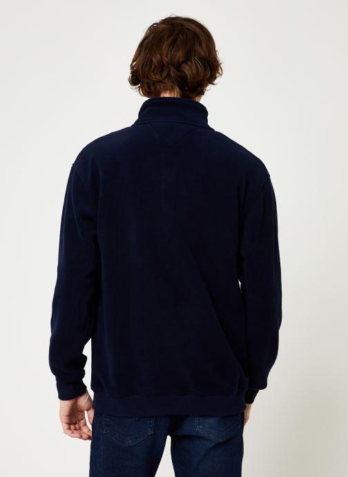 Vêtements Tommy Jeans TJM POLAR FLEECE MOCK NECK Bleu vue portées chaussures
