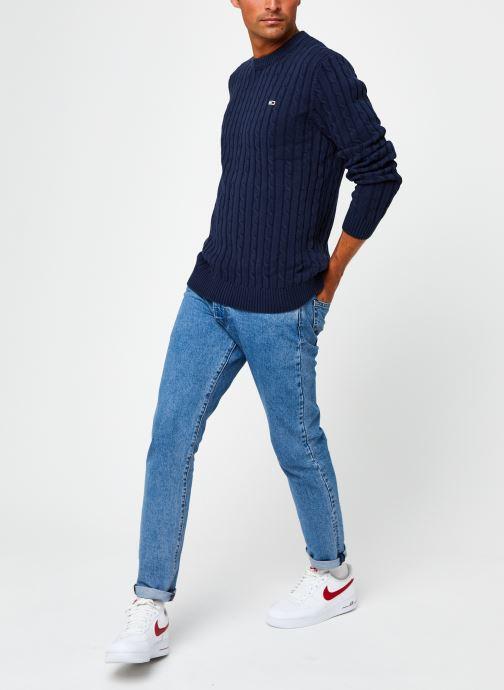 Vêtements Tommy Jeans TJM ESSENTIAL CABLE SWEATER Bleu vue bas / vue portée sac
