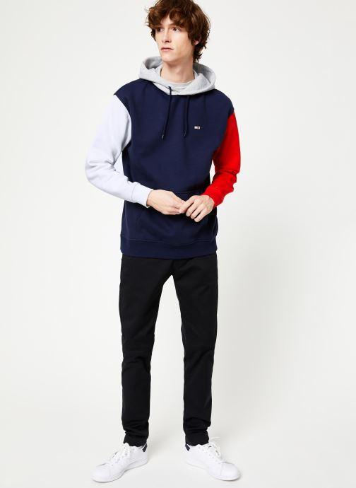 Tøj Tommy Jeans TJM COLORBLOCK CLASSICS HOODIE Blå se forneden