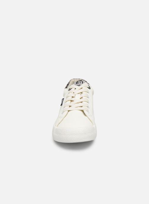 Baskets MTNG ROLLING Blanc vue portées chaussures