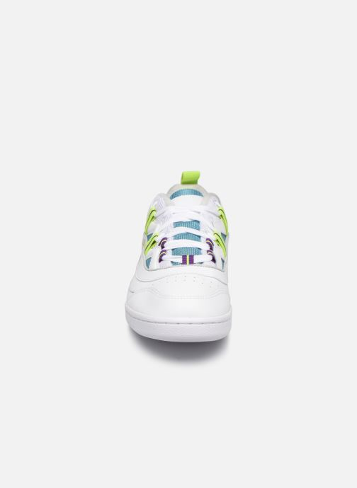 Baskets Reebok Workout Plus Ati 3.0 Blanc vue portées chaussures