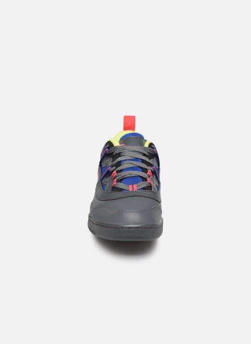 Sneakers Reebok Workout Plus Ati 3.0 Grigio modello indossato