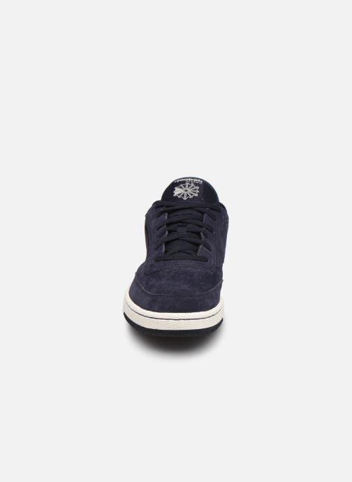 Sneakers Reebok Club C Revenge Azzurro modello indossato