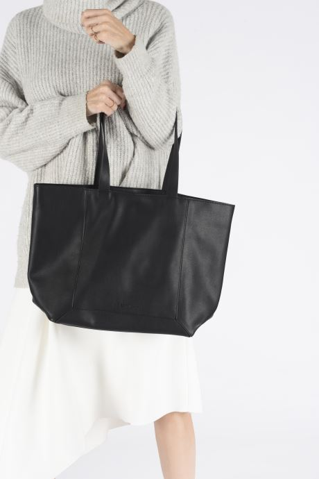 Handbags Esprit Vala shopper Black view from underneath / model view