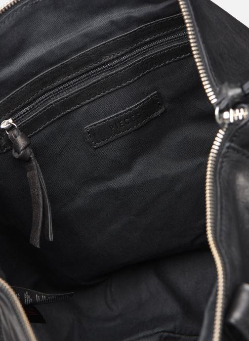 Handtaschen Pieces Ingrid leather daily bag schwarz ansicht von hinten