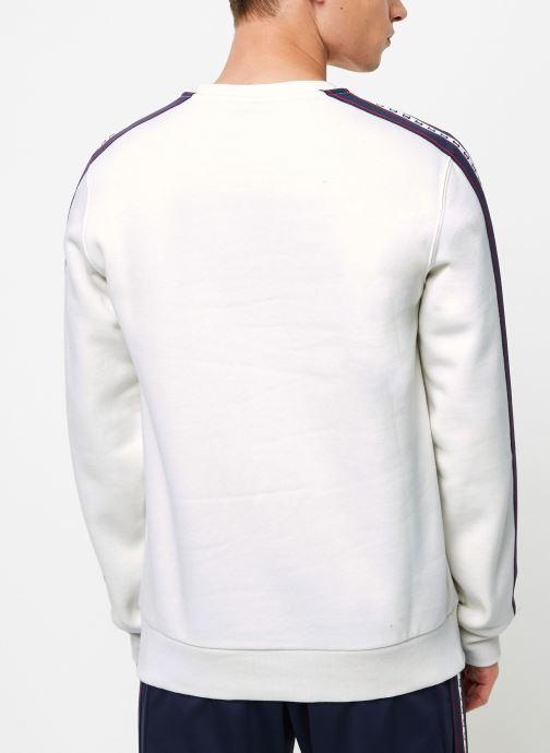 Vêtements Champion Crewneck sweatshirt Beige vue portées chaussures