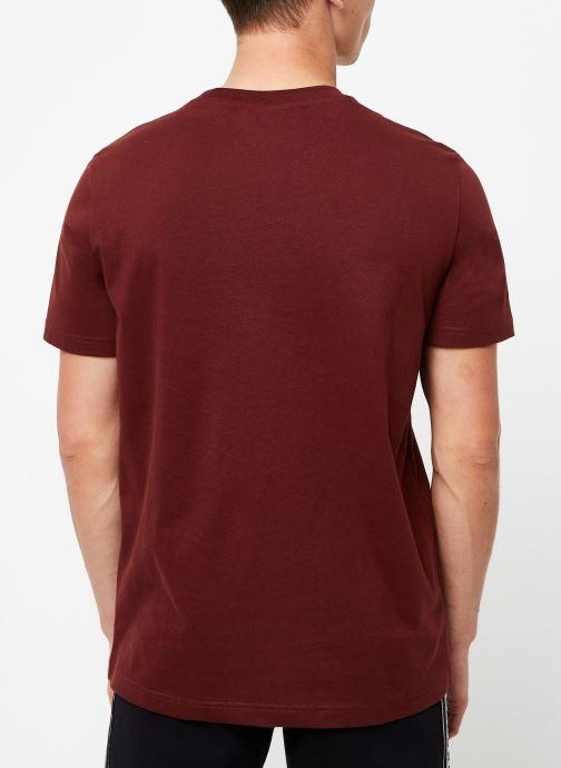 Vêtements Champion Crewneck t-shirt Bordeaux vue portées chaussures