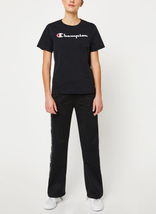 Vêtements Champion Crewneck t-shirt W Noir vue bas / vue portée sac