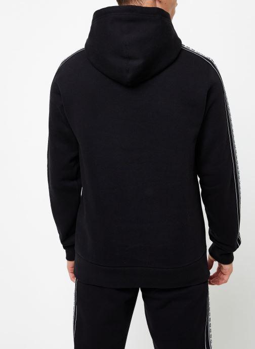 Vêtements Champion Hodeed sweatshirt small logo Noir vue portées chaussures
