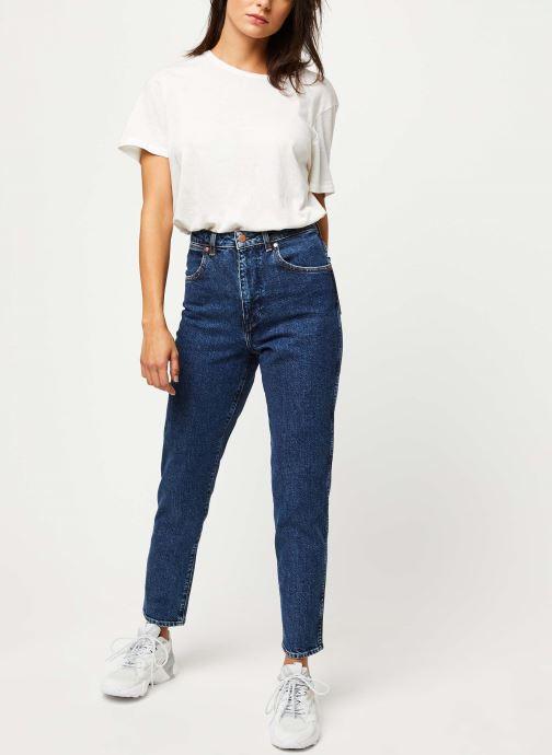Vêtements Wrangler Mom Jeans Bleu vue bas / vue portée sac