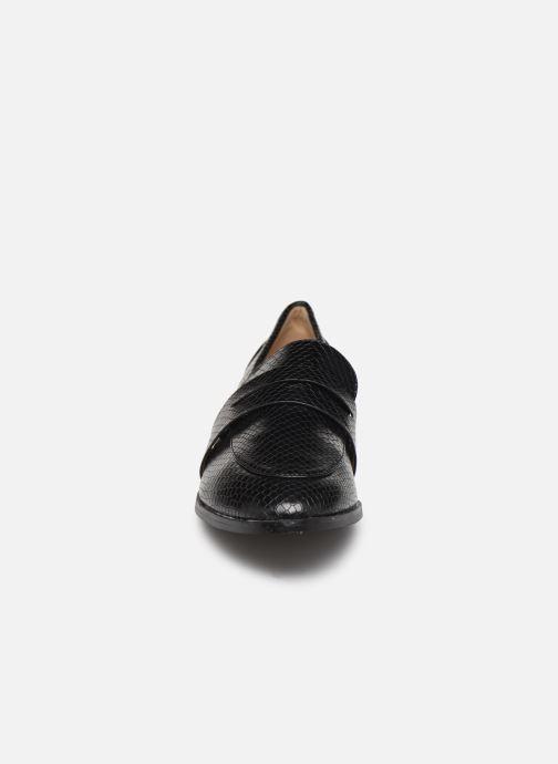 Mocassini I Love Shoes CARLYLE Nero modello indossato