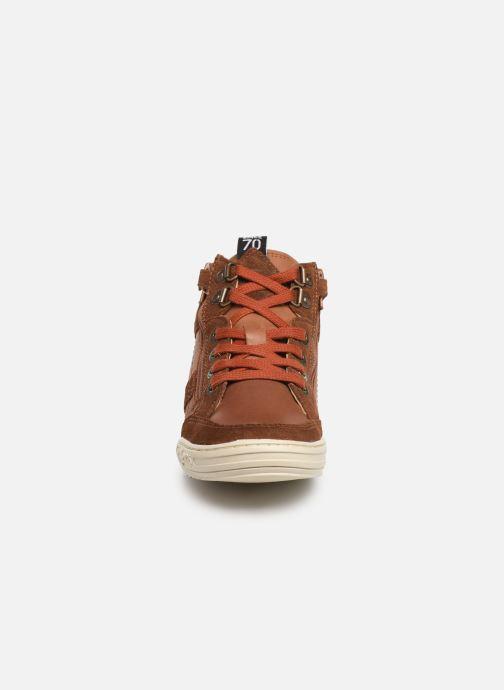 Baskets Kickers Jake Marron vue portées chaussures